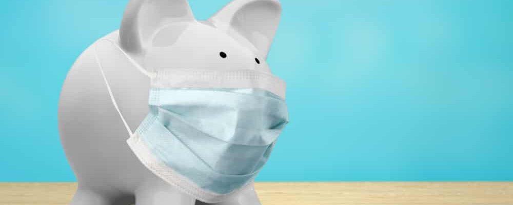 Cute,Piggy,Bank,,Wearing,A,Protective,Face,Mask