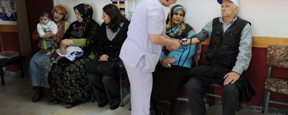 Duzce,,Turkey,-,April,22,,2010:,Unidentified,Patients,Examined,In