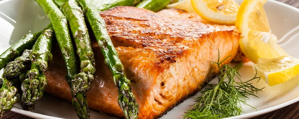 Grilled,Salmon,And,Asparagus